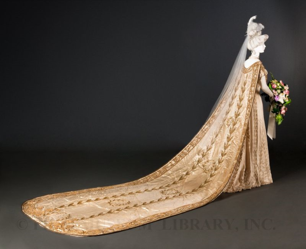 1907 Court Presentation Gown, from FIDM. http://blog.fidmmuseum.org/museum/2011/11/court-gown-and-train-1907.html
