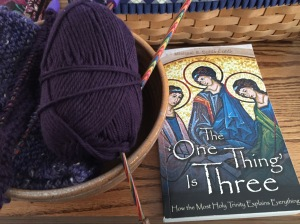 It's Wednesday! Join me for Yarn Along, where we talk about knitting and reading. @emily_m_deardo